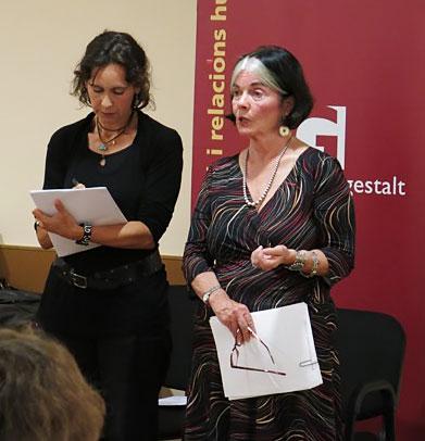 Photo of Maureen Murdock teaching a workshop in Barcelona, Spain.